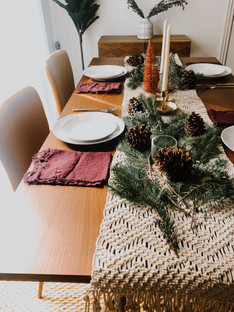Budget Friendly Holiday Table Decor