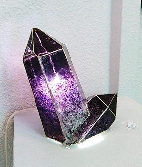 Lampe_minéraux_violette.jpg