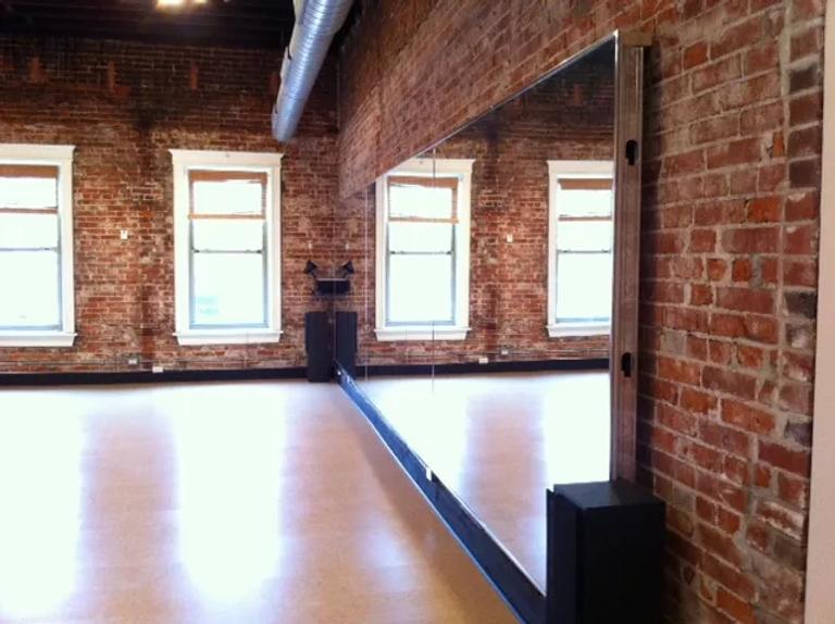Studio 12.webp