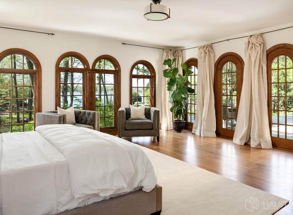 Master Bedroom view to Shorefront Yard.j