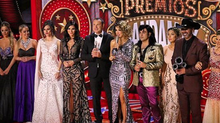 Ninel Conde en la conducción de los Premios Bandamax 2017