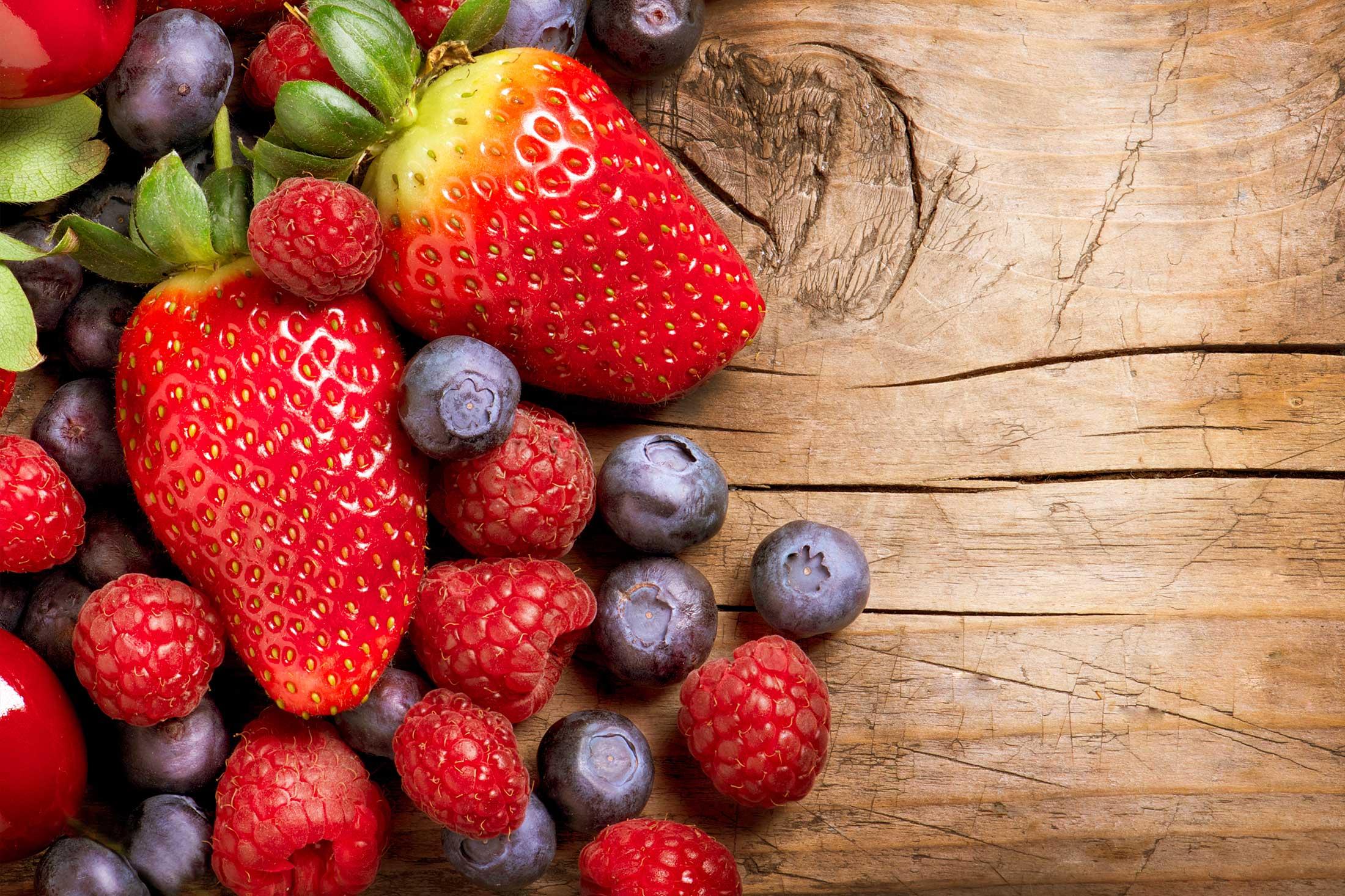 bigpix2200x1467v1-berries.jpg