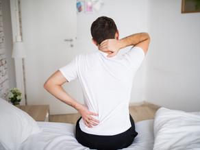 Dores no corpo ao acordar: Conheça os fatores que podem estar afetando a sua noite de sono