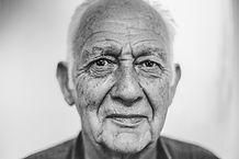 old-man-1208210_1920.jpg