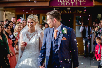 red hall hotel wedding confetti