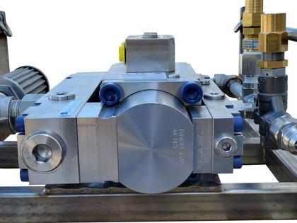 2040-ROV-M2 Pump.jpg