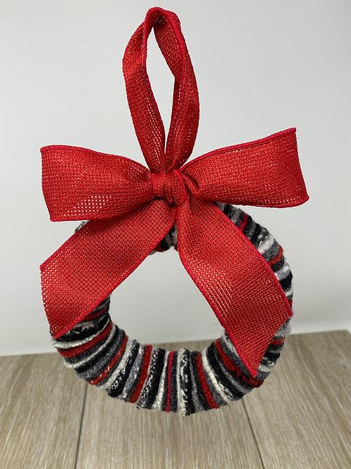 "6"" Wreath - Black/Gray/Cream/Red"