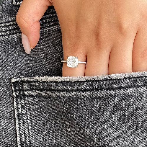 'Engagement' Ring