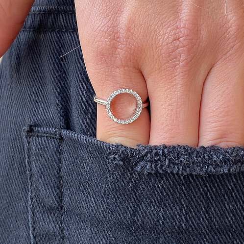 Hollow  circle ring
