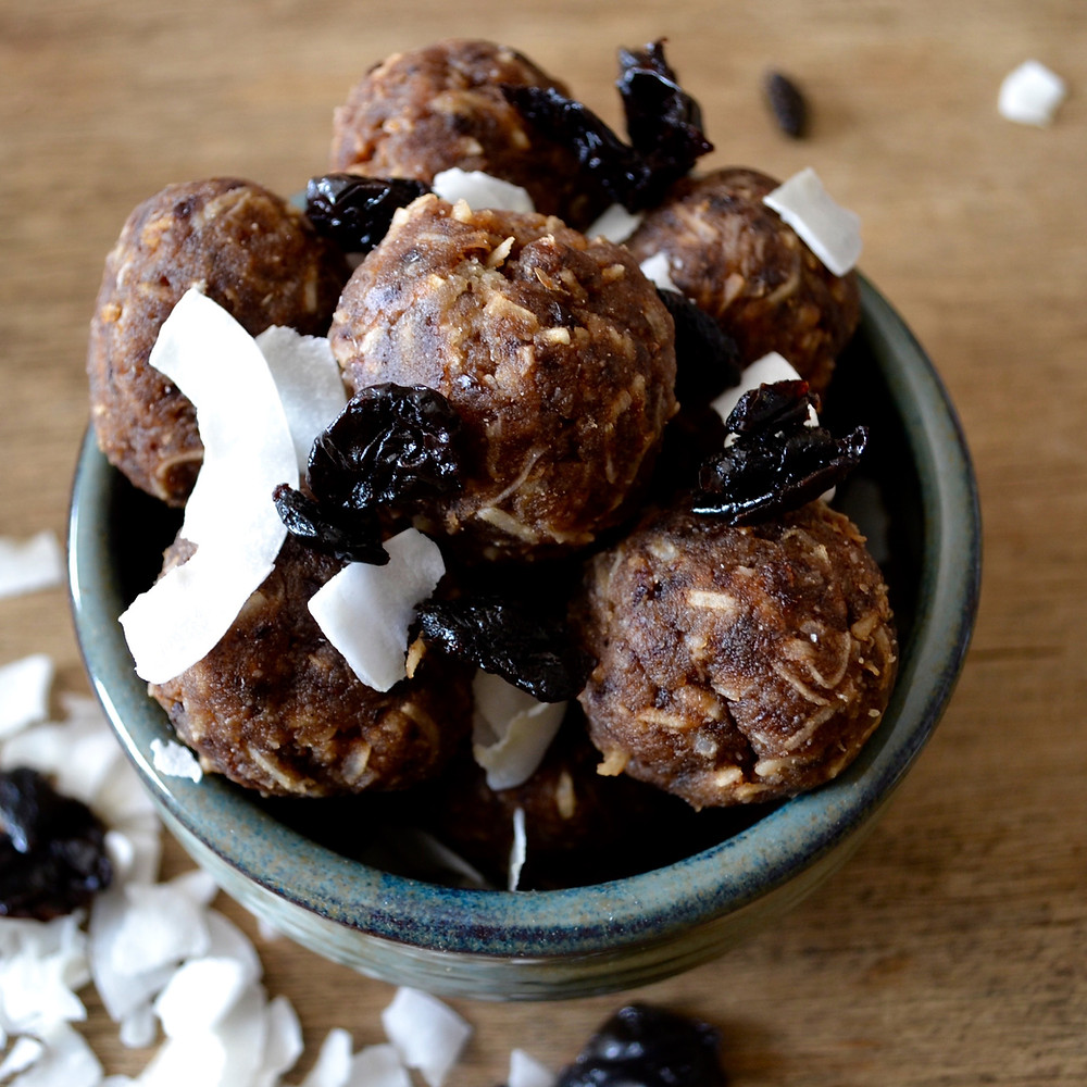 Bowl of healthy bliss balls