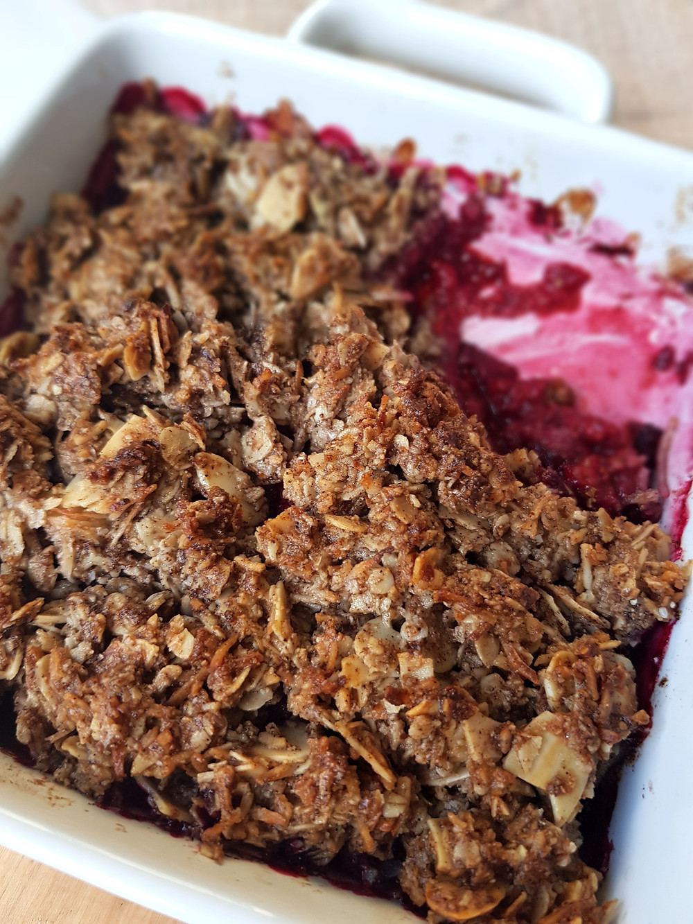 Baked raspberry crumble