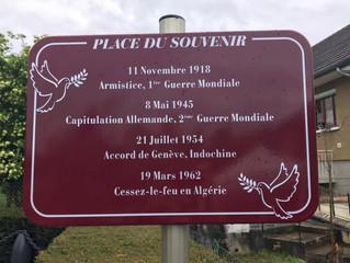 Inauguration de la place du Souvenir à Villeneuve sous Pymont