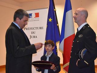 Remise de médailles pour acte de courage et de dévouement à l'adjudant Esteve et au gendarme Fat