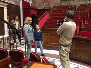 En compagnie de M6 pour le tournage d'un reportage sur la création d'une loi