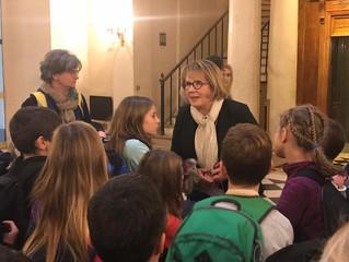 Accueil des élèves de Domblans à l'Assemblée