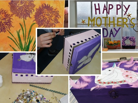 Lock Street have been busy making lots of beautiful gifts and cards....