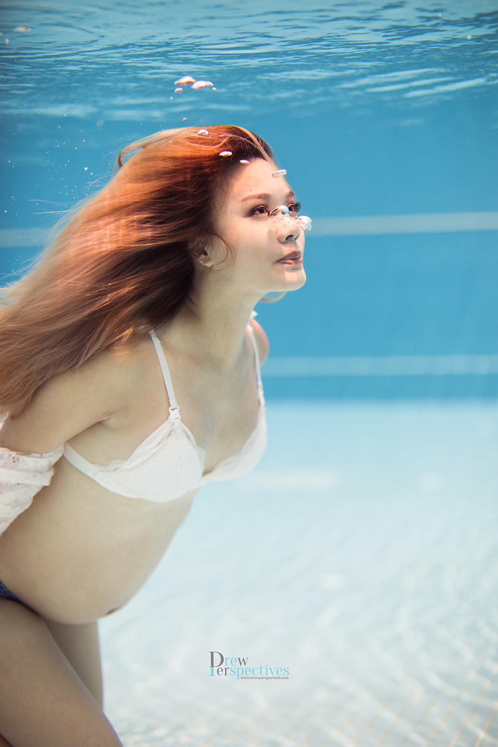 Underwater Maternity Photoshoot Singapore
