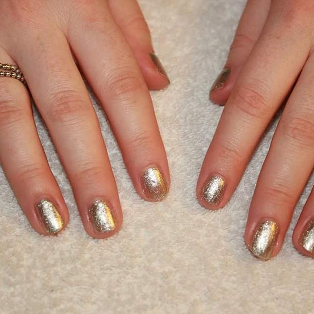 #nails #gelnail #salon #silver #nature #nontoxic #londoner #polish #sparkle #trend
