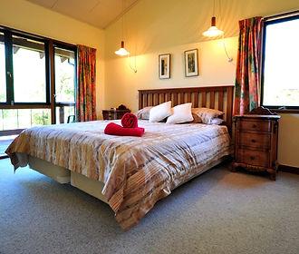 photos Hanmer rm 10 bedroom.jpg