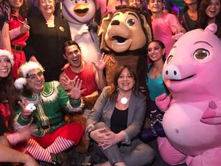 La Navidad de Mi perro Chocolo alegró a los niños de Curicó, Antofagasta y Santiago.