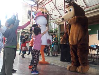 Mi Perro Chocolo apoyando a los niñ@s después de una emergencia