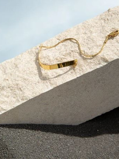 Helmut Paris- Bracelet de coté