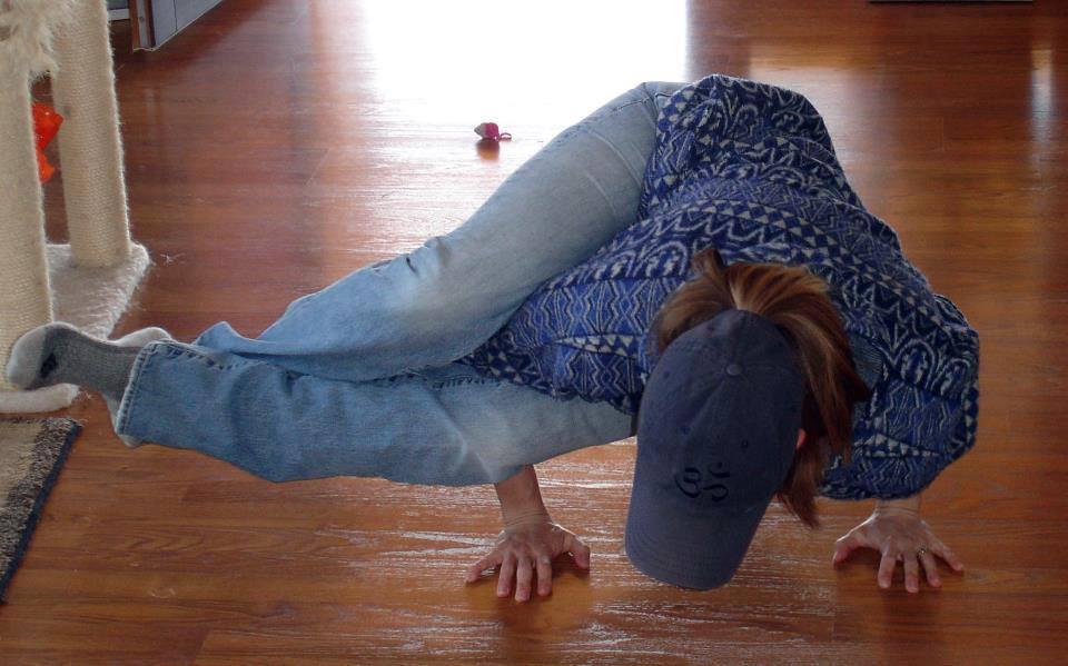Astavakrasana - 8 angles pose