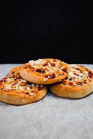 Sausage Pizza Roll_20A2041.jpg