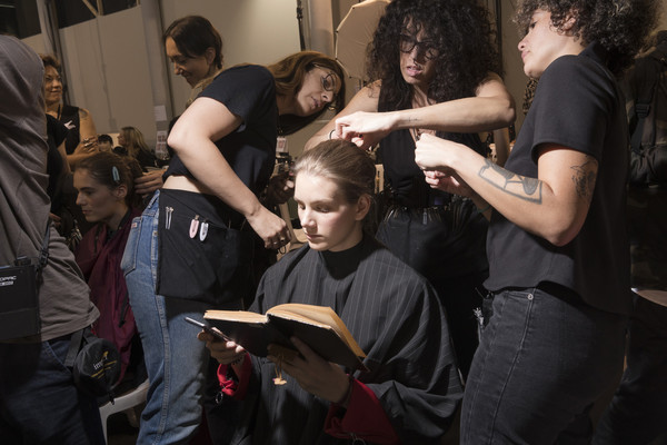 Behind the scene Paris Fashion Week
