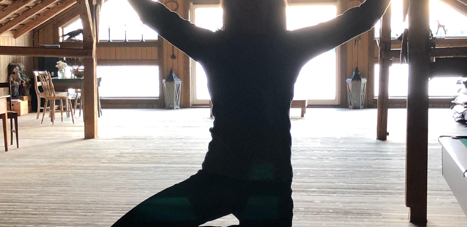 Yogasalen på låven