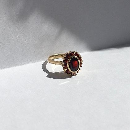 Vintage Gold Garnet Cluster Ring