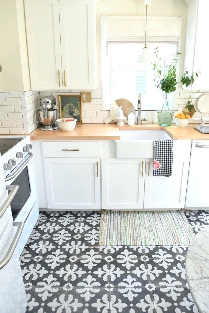 Навіщо килим на кухні та як його чистити? | Килим.Ко