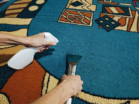 Чотири способи знищити килим при чистці!