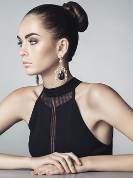 5 Reasons Why a woman need one black dress