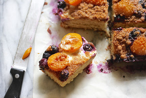 Recipe | Apricot and Blueberry Crumble Cake