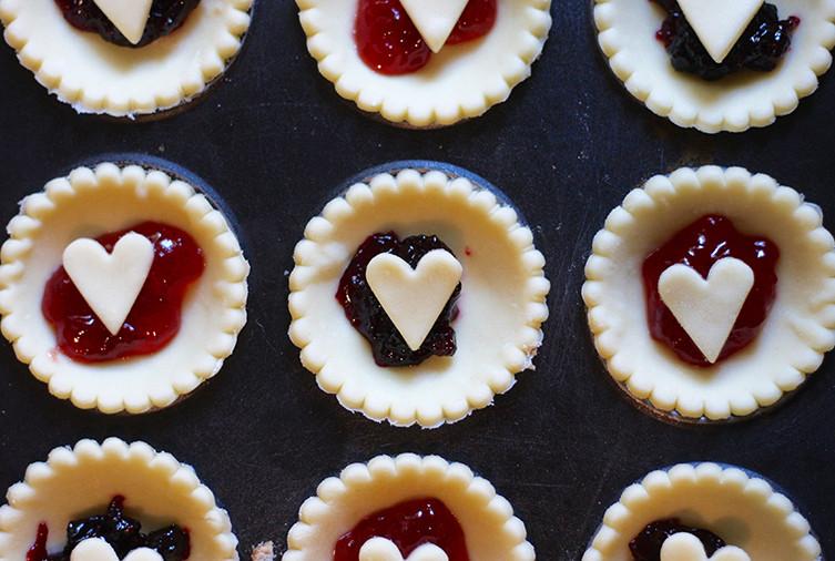 love-heart-jam-tart