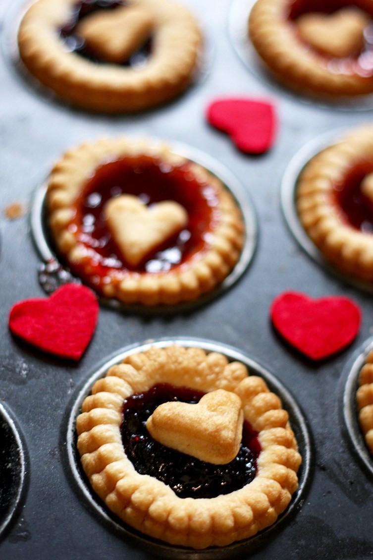 love-heart-jam-tart-2