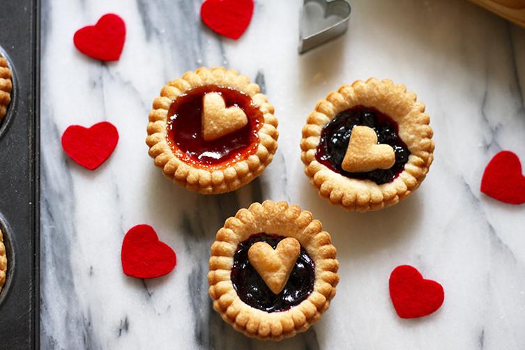 love-heart-jam-tart-3
