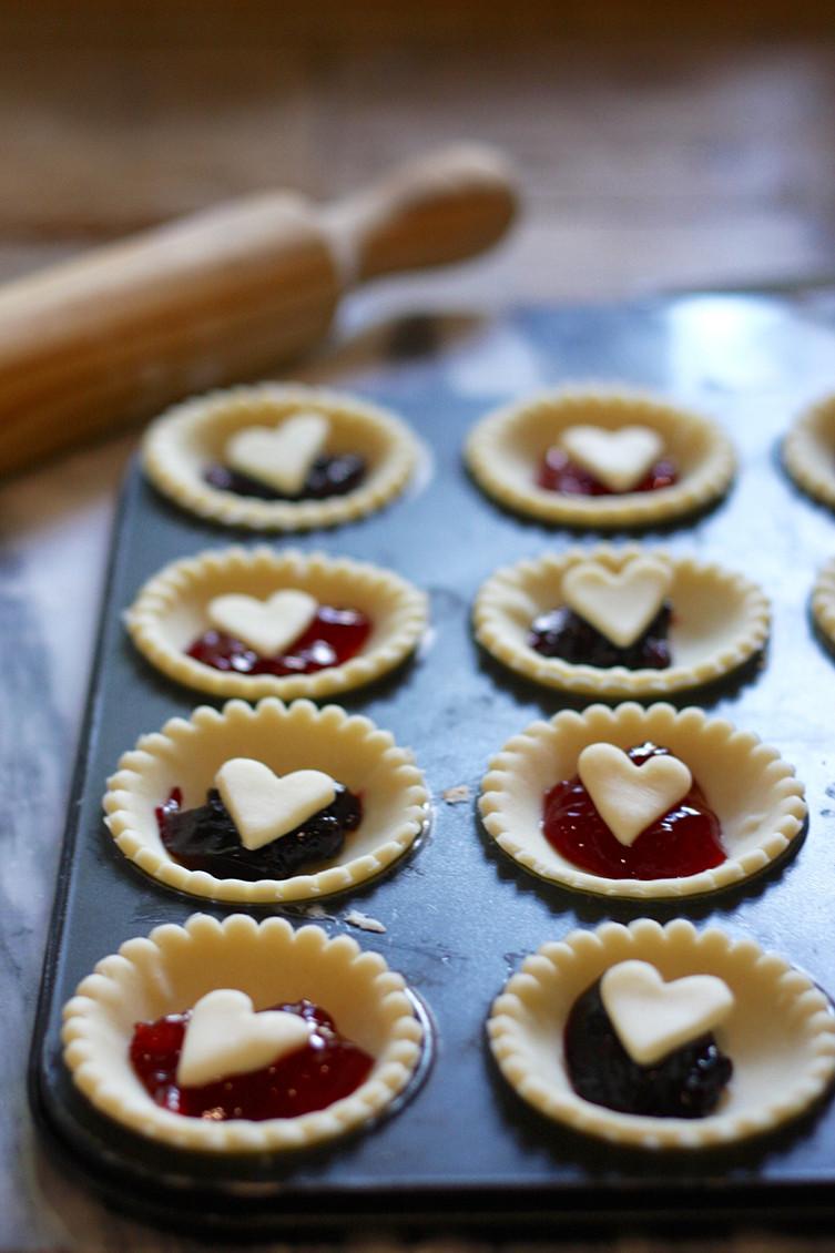 love-heart-jam-tarts