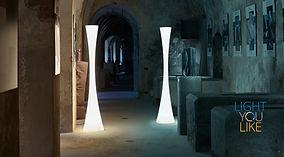 stojanová lampa biconica
