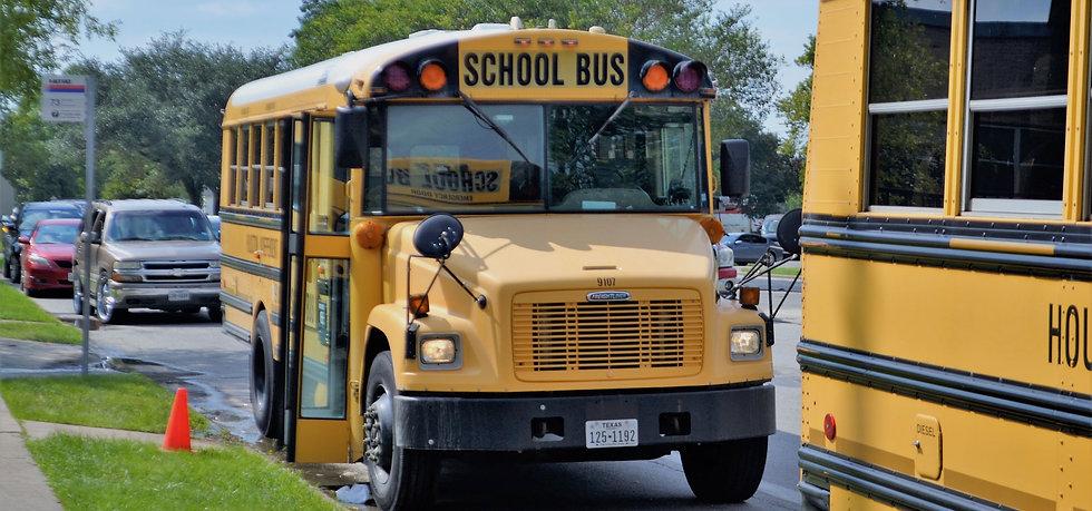 school-buses-280113124.jpg