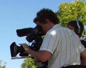 film-crew-in-action-725x544.jpg