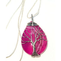 pink%20agate%20necklace_edited.jpg