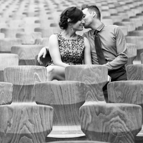 Különleges kreatív helyszín esküvői jegyes fotózáshoz szabadtéren
