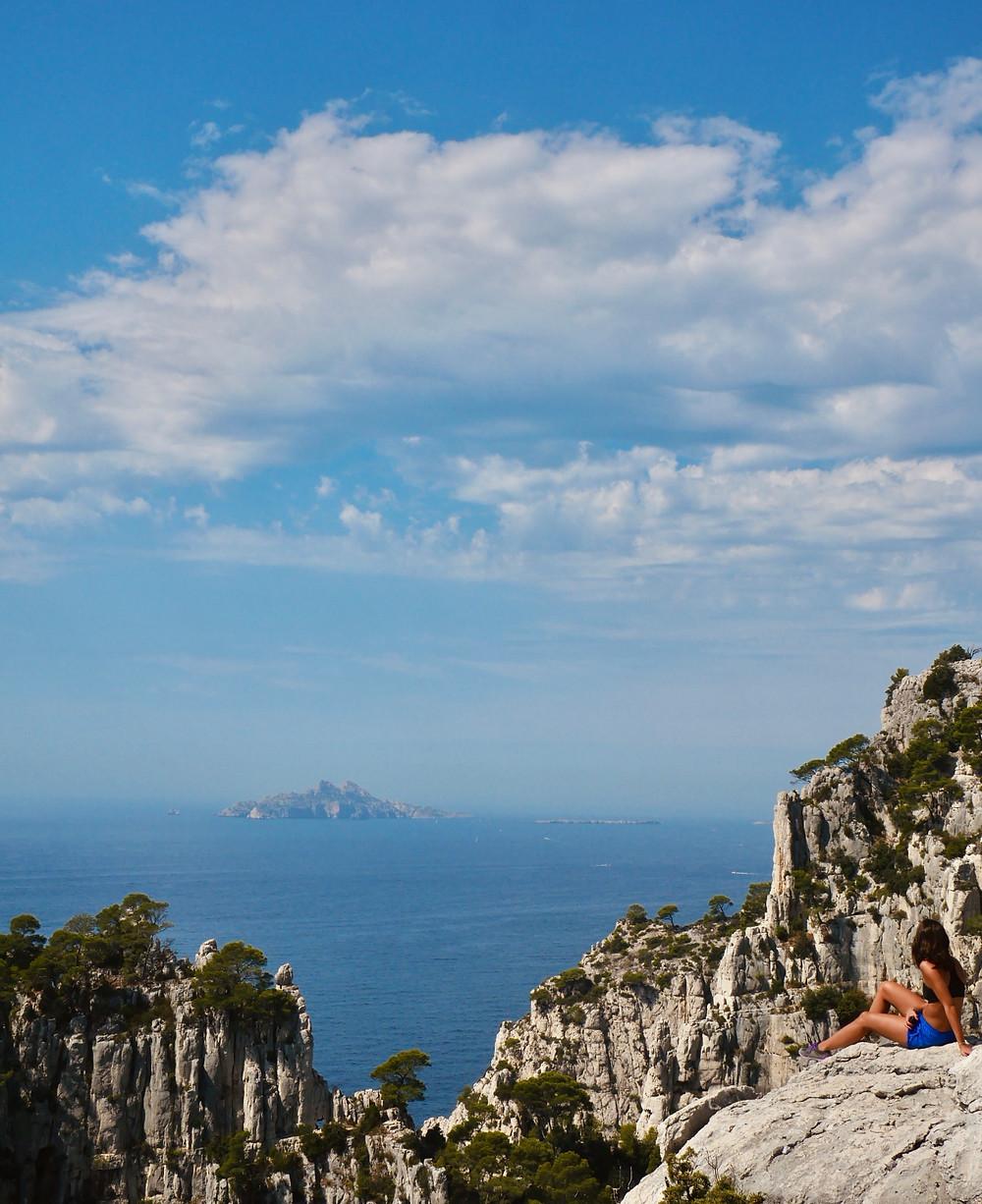 Vue sur la Méditerranée et l'île de Riou