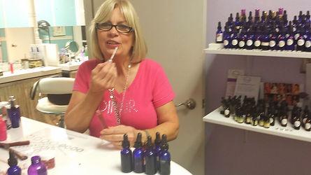 Dinair, Dina Ousley, Dinair Houston, custom blend lipgloss, custom blend cosmetics,Chamak Makeup, Customblending, custom blend makeup bar