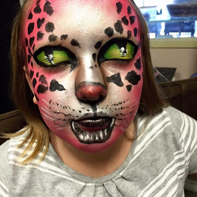 Facepainting and character makeup is ser
