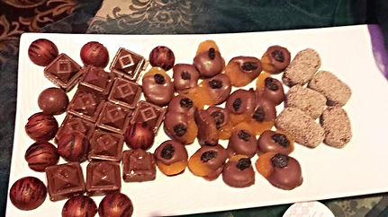 chocolate table Houston, chocolate catering houston, chocolate dripped apricot, chocolate favor houston