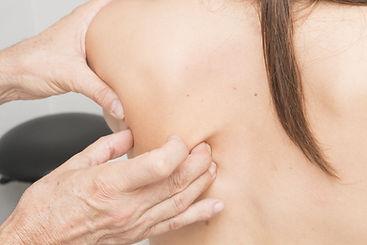 massage-2441746.jpg