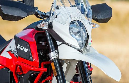 2018-SWM-Superdual-X-Bike-Review-iK-3611
